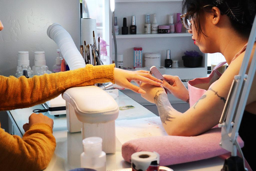Junior Artist Nikky Doing Nails