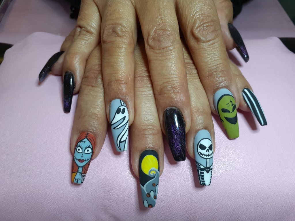 NIghmare before Christmas nail art